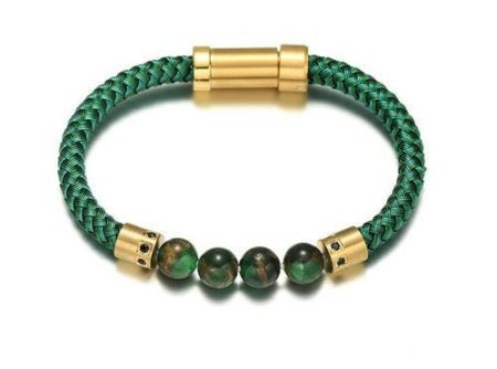 The green leather bracelet and pearl man