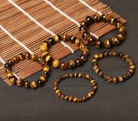 Tiger eye natural stone protective bracelet for women and men