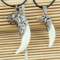Wolf Teeth Necklace for Men, Titanium and Steel, Domineering Pendant, PU Chain, Gifts, Hot Sale